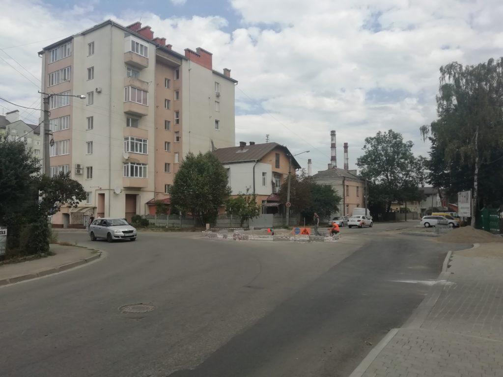 Кільце на вул.Височана